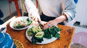 Chế độ ăn kiêng F-Factor là gì, và nó có an toàn không? Đây là những gì các nhà dinh dưỡng nói